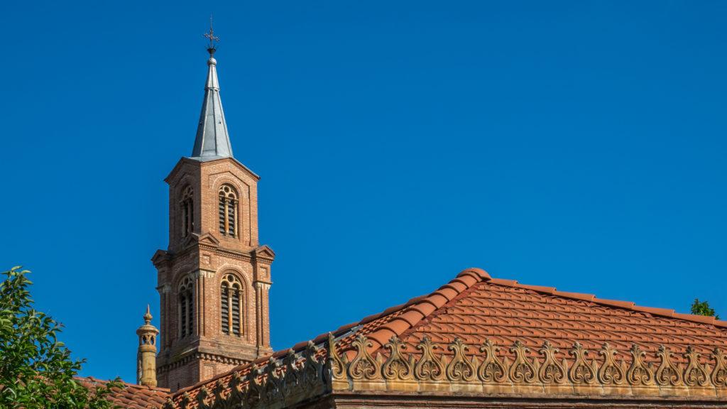 Lafourguette - Eglise vue sur toits